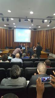 """MAGALHÃES RECEBE PRÊMIO ESTADUAL """"SEBRAE PREFEITO EMPREENDEDOR"""", EM MANAUS"""