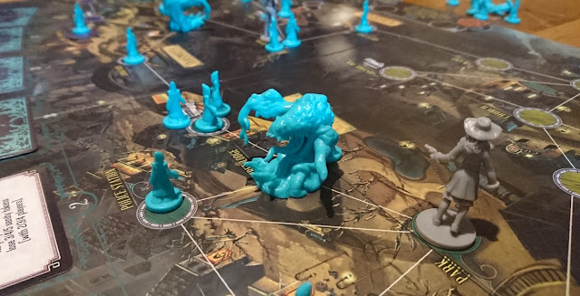 Pandemic: Reign of Cthulhu cultists and Shoggoth