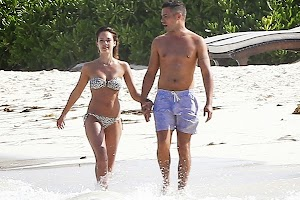 Paparazzi : Jessica Alba and Cash Warren in Mexico
