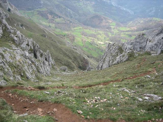 Parte baja de la Canal de las Cuevas en Peña Mea
