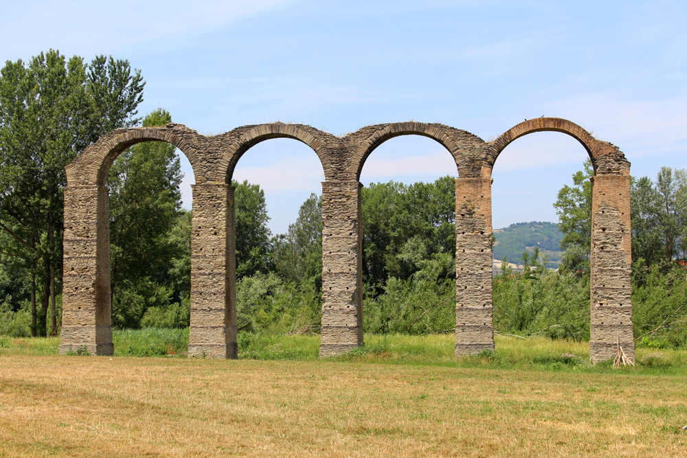 Acqui Terme aqueduct in Piemonte, Italy - travel & style blog