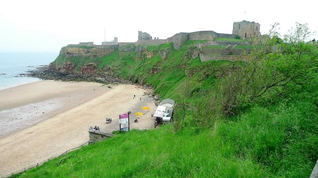 Taking Our Tweens to Tynemouth by Metro