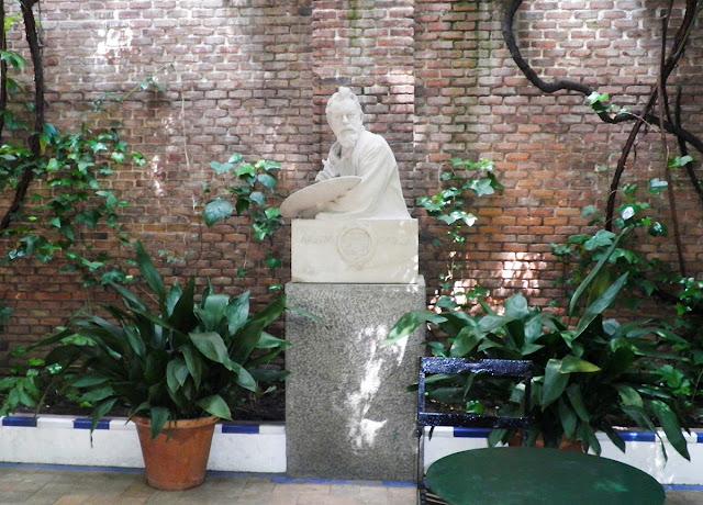 Busto de Joaquín Sorolla bajo la pérgola. Museo Sorolla