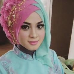 Tutorial Make Up Hijab Wisuda