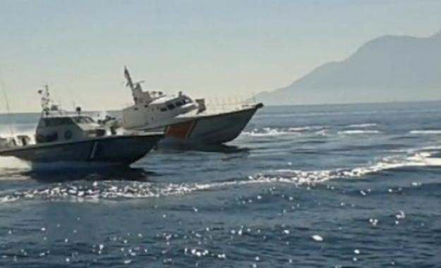 Η τουρκική ακτοφυλακή παρεμπόδισε πλωτό του Λιμενικού – Έφτασαν κοντά στο λιμάνι της Μυτιλήνης