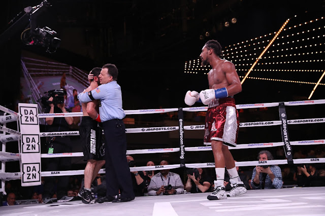 Demetrius Andrade Defs. Artur Akavov In 12th rounds To Retain WBO middleweight title