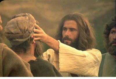 Resultado de imagem para jesus cura o cego