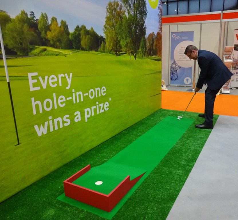 Exhibition Stand Gimmicks : The ham and egger files trade on tap hole in one