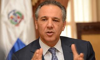 Ministro Peralta justifica que Miguel Vargas le pida el cargo a César Mella
