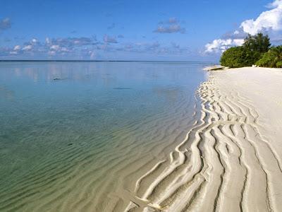 playa-de-aguas-cristalinas-en-sri-lanka