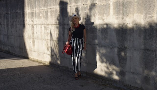 outfit pantaloni a righe come abbinare i pantaloni a righe abbinamenti pantaloni a righe pantaloni miss coquines  striped trousers outfit agosto 2016 mariafelicia magno fashion blogger colorblock by felym fashion blog italiani fashion blogger italiane blog di moda italiani outfit estivi