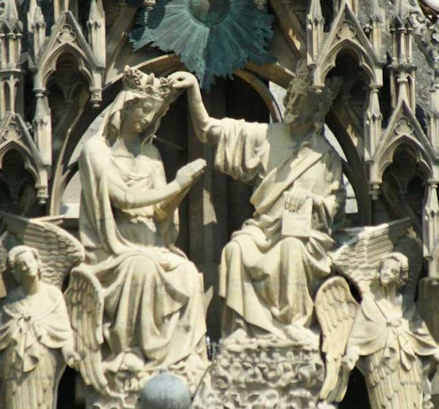 Couronnement de la Vierge à Notre-Dame de Reims.