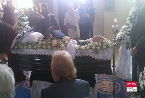 Η σκηνή που προκάλεσε αίσθηση στην κηδεία του Παττακού: Τι συνέβη εντός της εκκλησίας