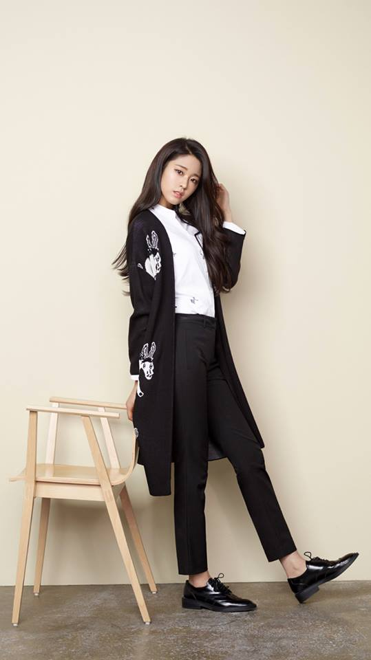 Steal Seolhyun's Look: Black and White World