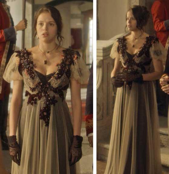 Vestido bordado da Domitila