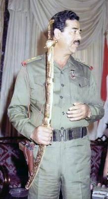 صدام حسين والسيف سيف صدام حسين