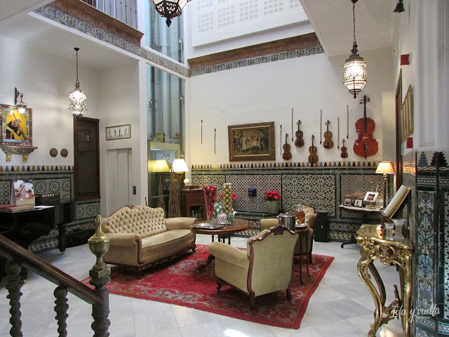 Patio andaluz hotel Amadeus