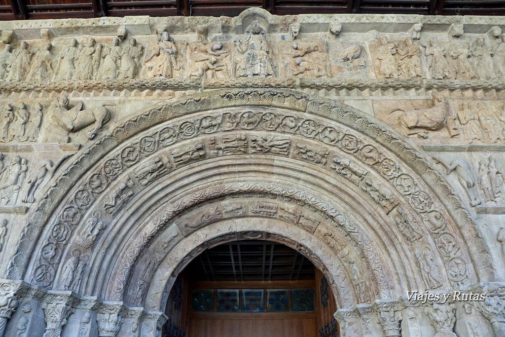 Portada del Monasterio de Santa María de Ripoll