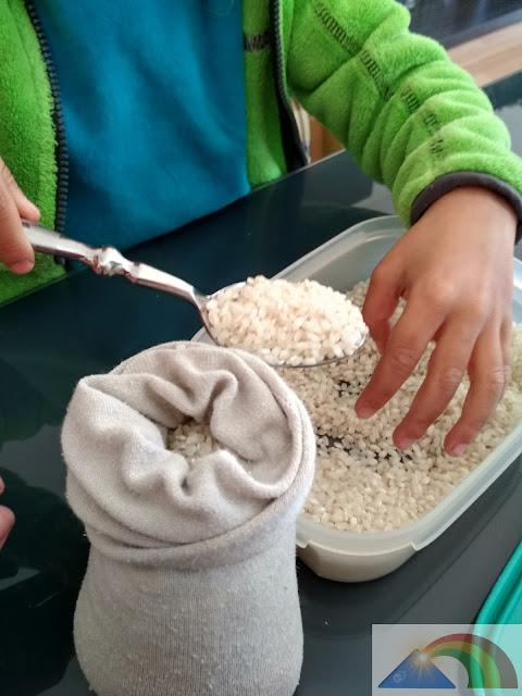 Rellenar el calcetín con arroz