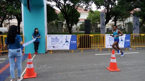 http://www.bca.co.id/id/Tentang-BCA/Korporasi/Berita/2016/10/21/02/20/sehat-bersama-bca-surabaya-run-2016?sc_camp=021389CBC82B463894A01CD2F33A3005&utm_source=Blogger&utm_campaign=Surabaya%20Run&utm_medium=CTW