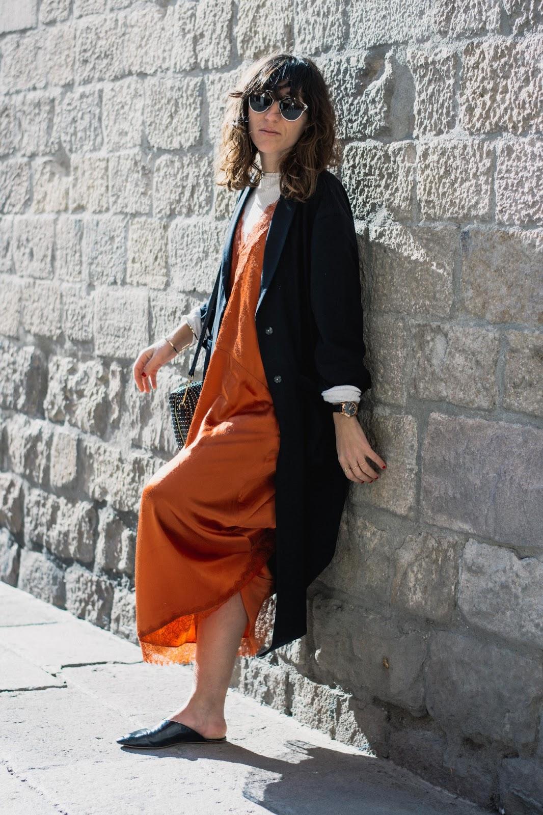 Vestido H&M, babuchas Zara, bolso Bimba y Lola