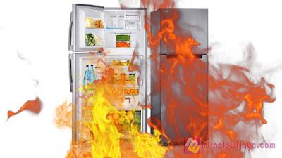 Waspada Kulkas Meledak! Jangan Taruh 3 Benda Ini di Dalam Freezer