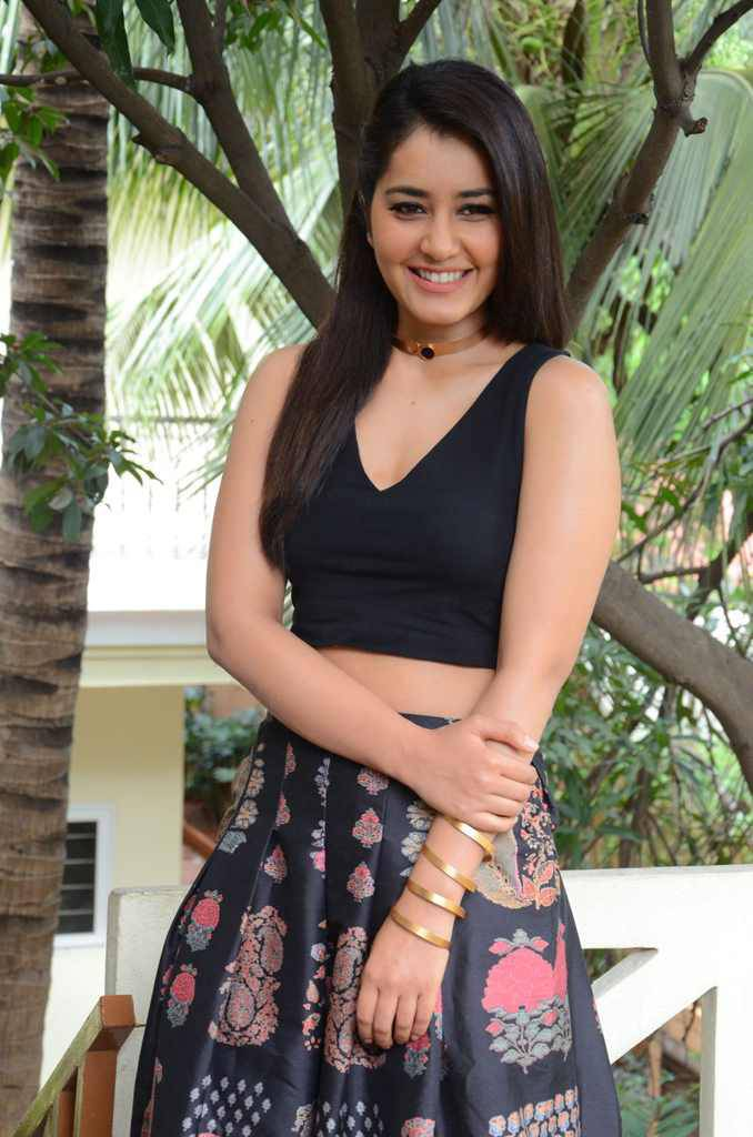Telugu Glamours Spicy Rashi Khanna Photos In Black Dress At Movie Interview