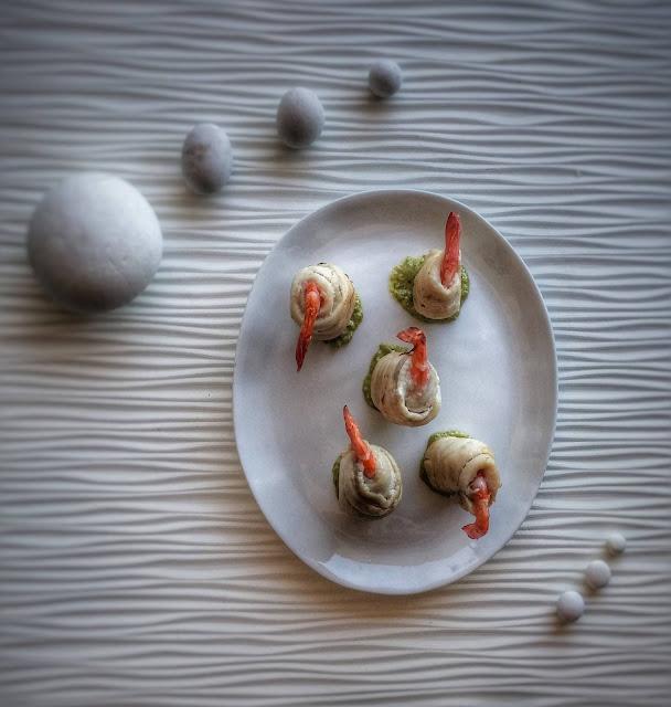 involtini di sogliola e gamberi con crema al basilico