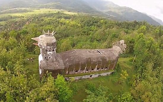 Chicken Church - Igreja da Galinha - Indonesia
