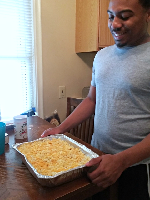 a pan of baked macaroni
