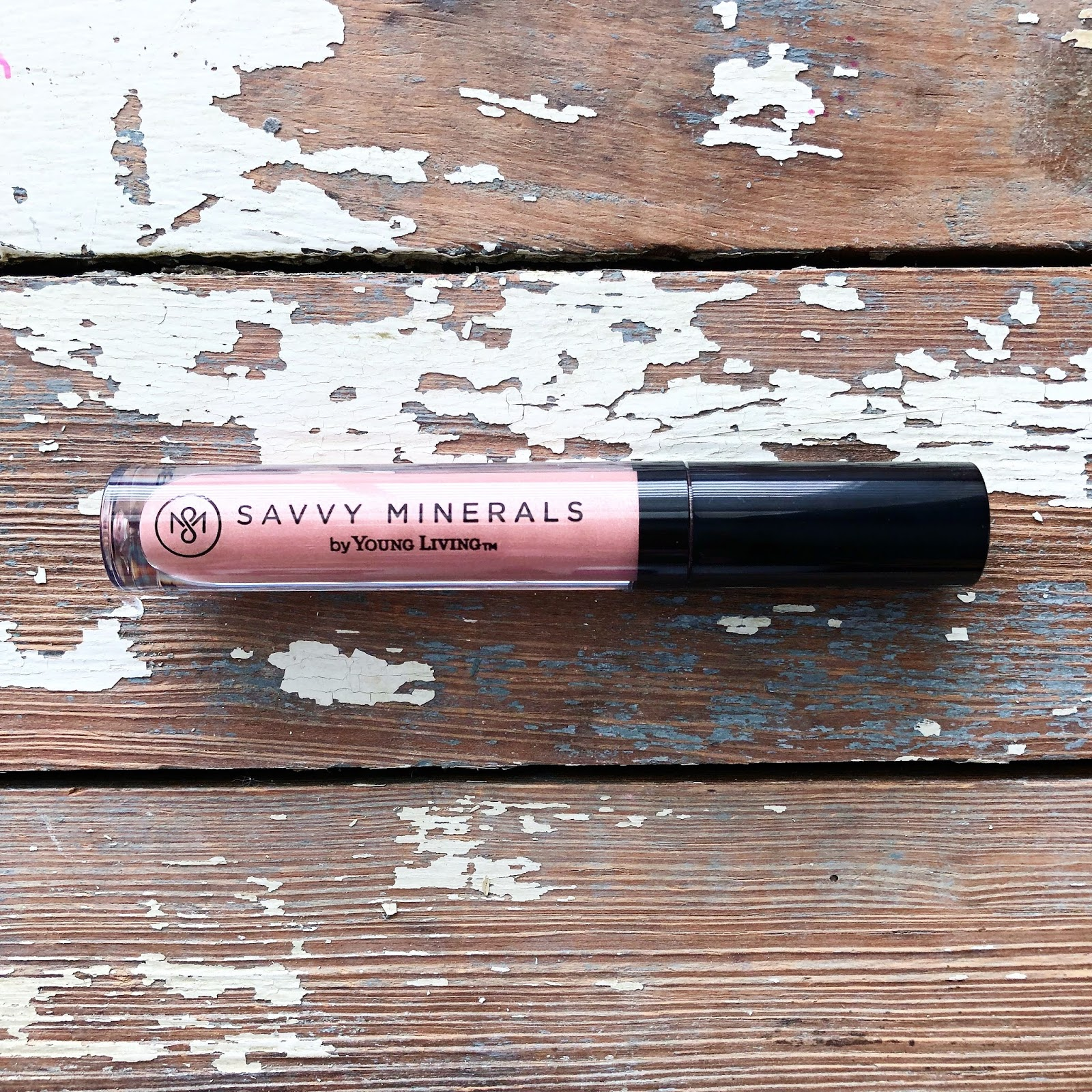 My review of Young Living Savvy Minerals Starter Kit Warm, Cool, Dark