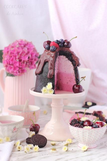 Cheesecake de oreo y frutos rojos relleno efecto degradado