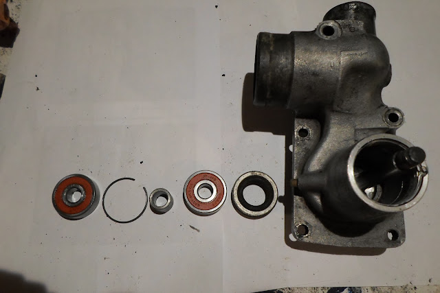 intérieur de pompe à eau Peugeot 203