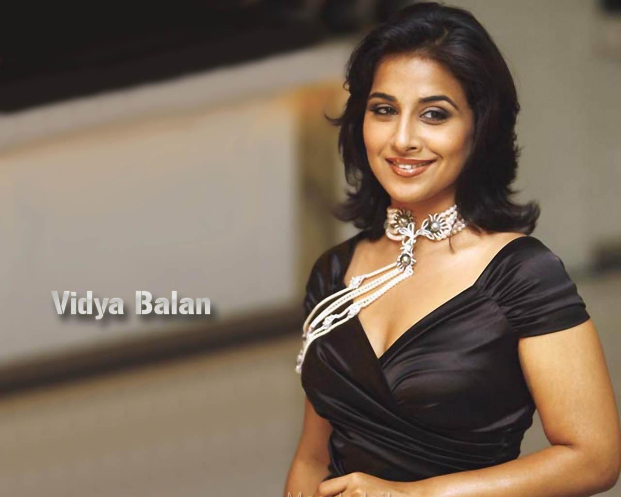 Vidya Balan Hot  Sexy Photo-5621