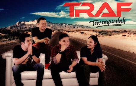 Lirik Lagu TRAF - Tersenyumlah