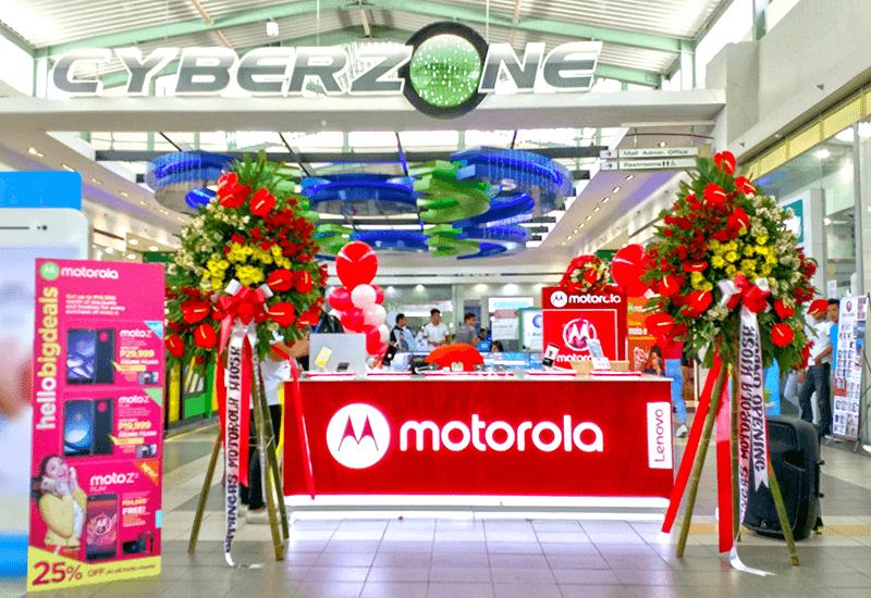 Motorola Opens First Retail Kiosk Outside Manila