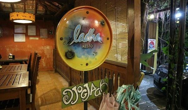 Makan Malam di Ladha Resto, Jogja (Ngayap-Ngayap ke Jogja Bareng Pandra Tour Day 3E)