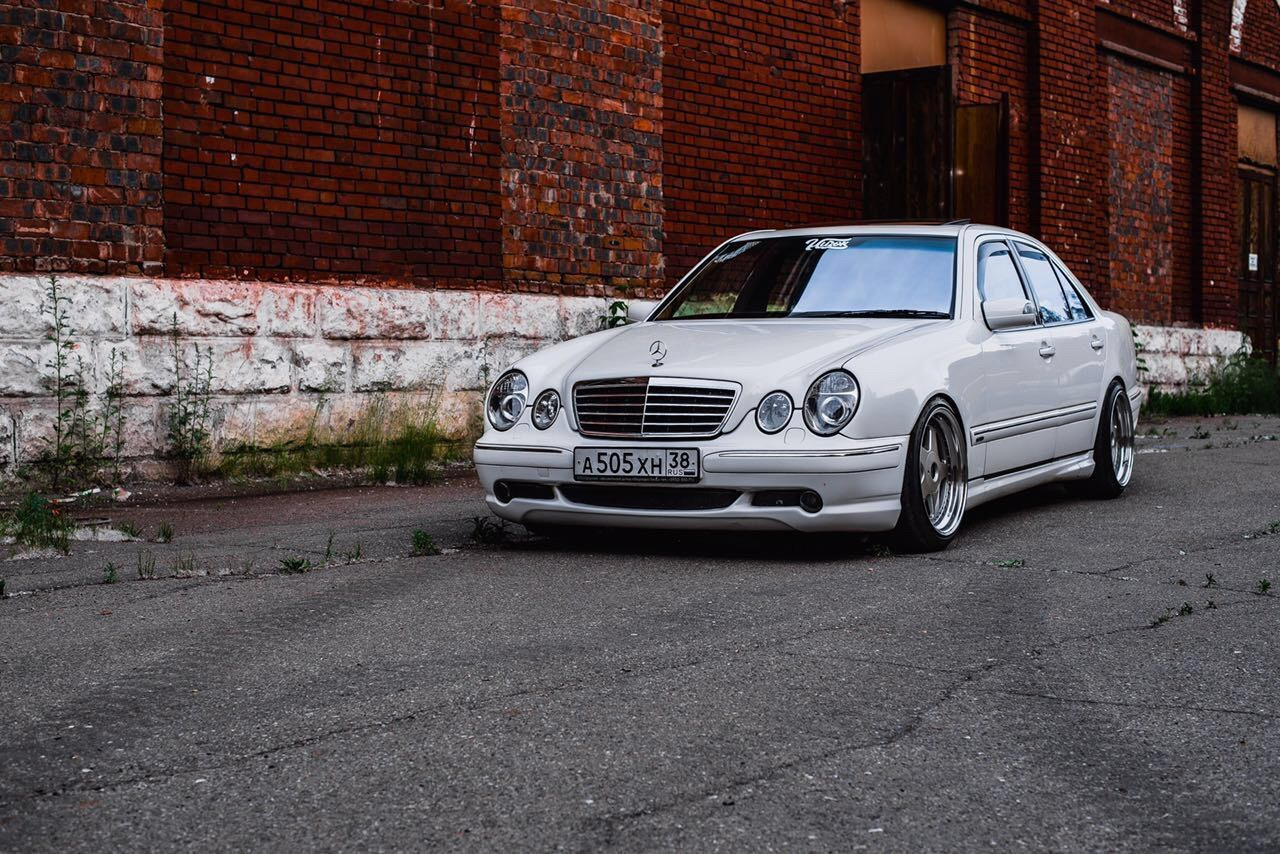 Mercedes benz w210 e55 amg stance style benztuning best for Mercedes benz e 55 amg