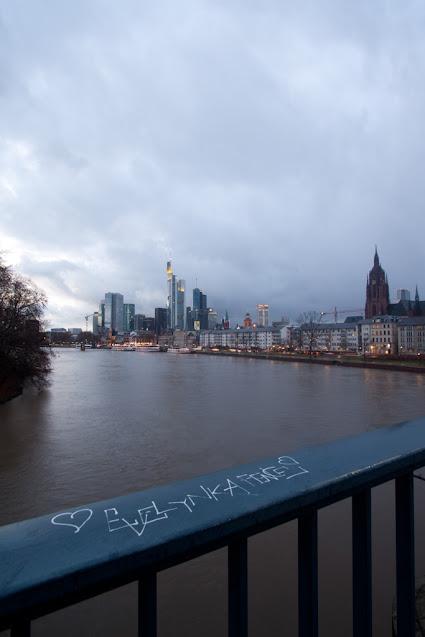 Panorama dall'Untermainbrücke-Francoforte
