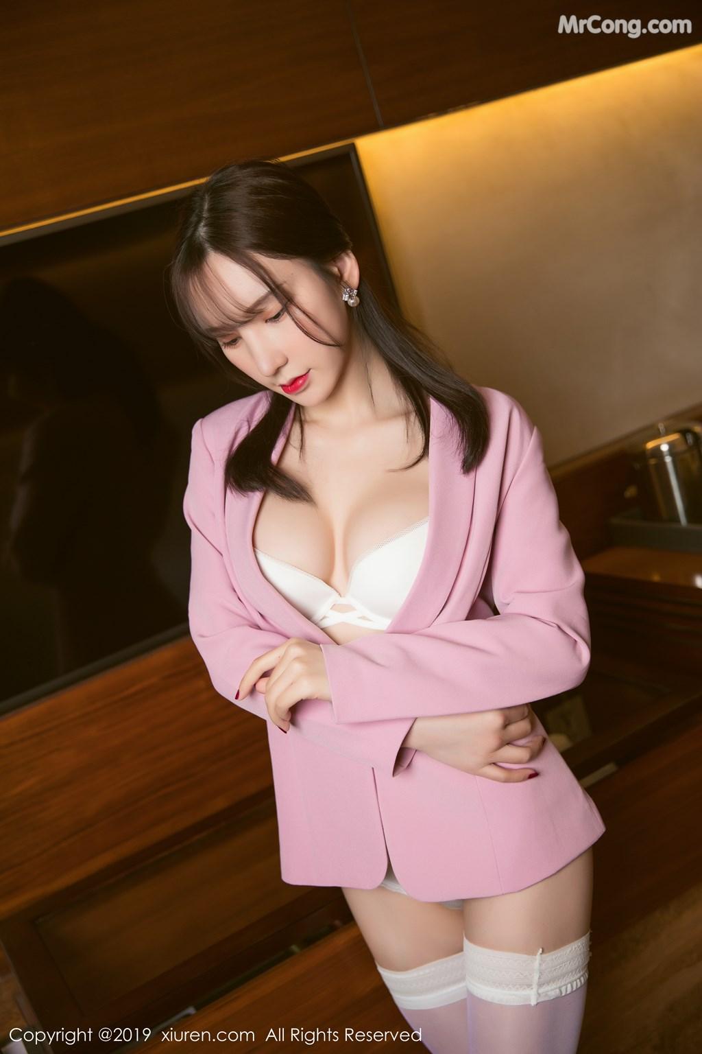 Image XIUREN-No.1391-Zhou-Yuxi-Sandy-MrCong.com-030 in post XIUREN No.1391: Zhou Yuxi (周于希Sandy) (51 ảnh)