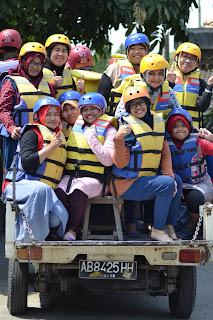 Mengasah Keberanian Si Kecil di Fun Tubing Watu Kapu