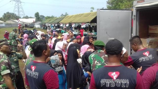 Ratusan Warga Dapat Sembako Gratis di Penutupan TMMD Ke-103