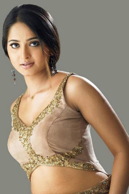 Cute Actress: Anushka-cool-hot-wallpapers