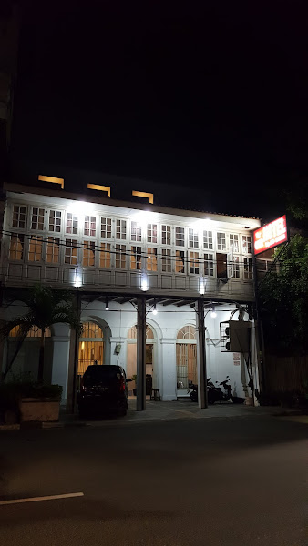 De Qur Hotel