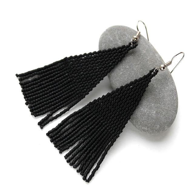 купить серьги бижутерию под черное платье бисерные изделия россия