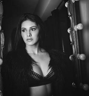 Amyra Dastur.1