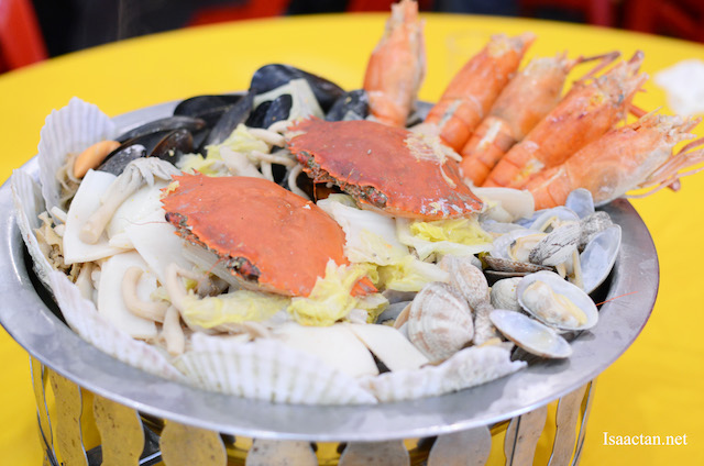 Seafood Pot with Hoegaarden Beer - RM288