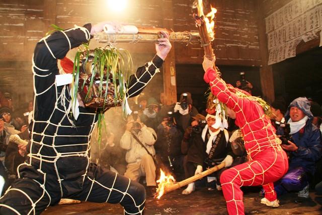 Shujou Onie (Spring Devil & Fire Festival), Bungo-Takada, Oita Prefecture