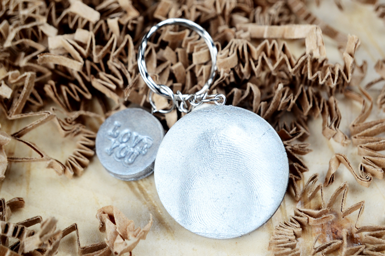 thumbprint keychain for mother's day