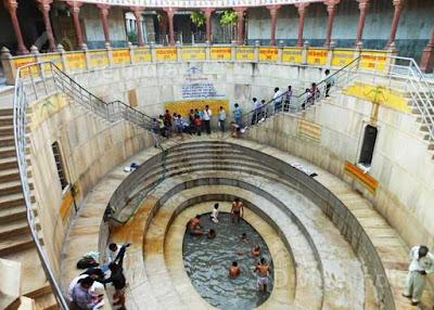 khatushyam baba temple kund
